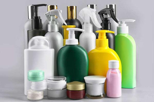 Développement de bouteilles en plastique